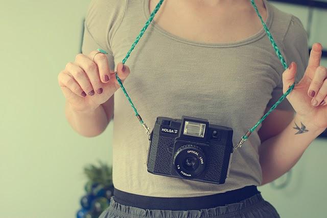 _toy-camera-strap-diy-6